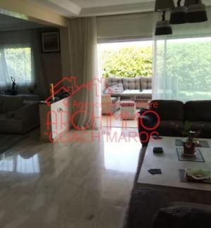 image de propriété - Villa avec piscine sur 530 m² de terrain.